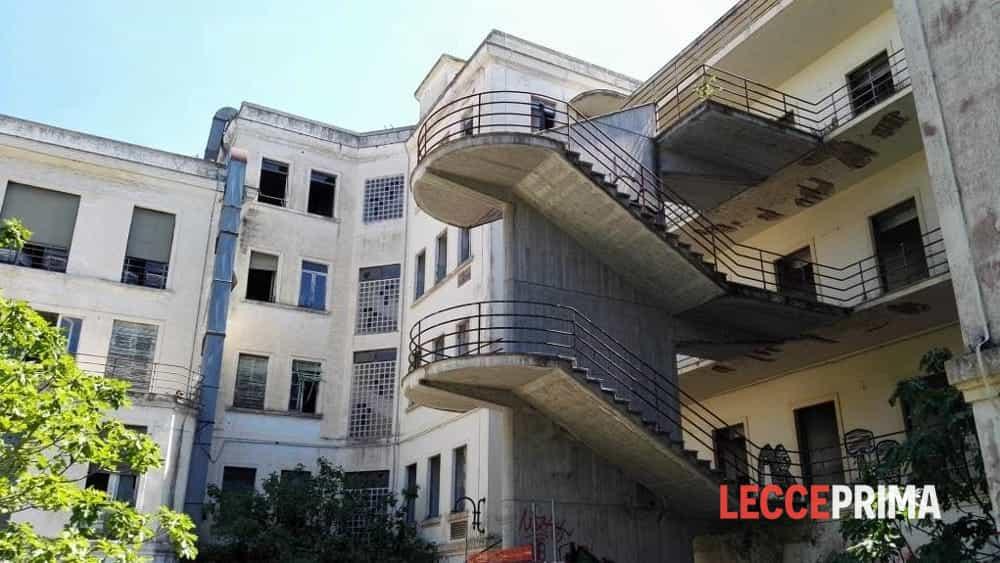 Non questura non albergo nell 39 ex galateo case per - Albergo diffuso specchia ...